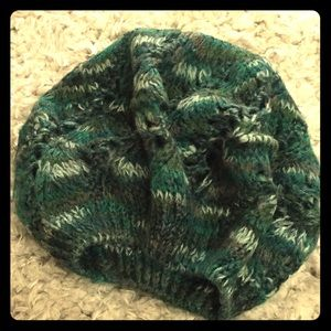 Marble green knit beanie